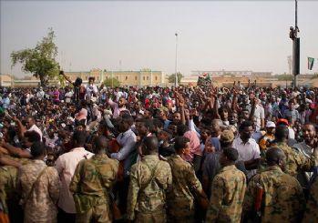Sudan'da askeri darbe! Ordu yönetime el koydu