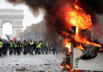 Fransa'da Sarı Yelekler'e gösteri yasağı