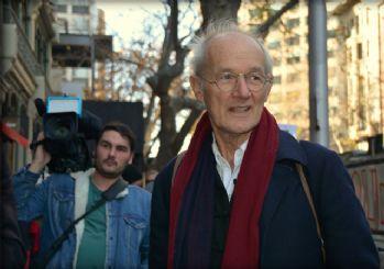 Assange'ın babasından çağrı: Evine geri getirilmeli