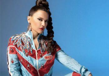 Demet Akalın'ın 'N'apıyorsan Yap' şarkısının video klibi yayınlandı.