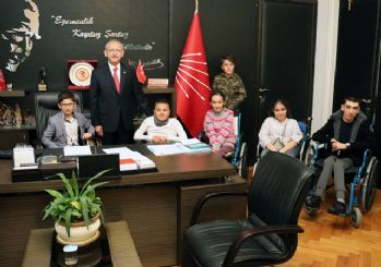 Kılıçdaroğlu'nun koltuğuna şehit kızı oturdu