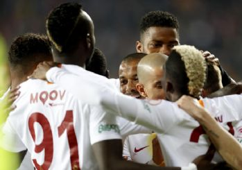 Galatasaray şov yaptı! Aslan kupada finalde