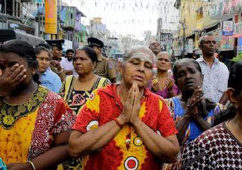 Sri Lanka'da kiliseler pazar ayinlerine kapatıldı