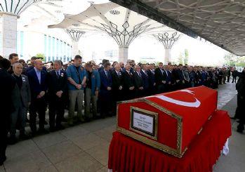 Kılıçdaroğlu şehit Yüzbaşı'nın cenazesine katıldı