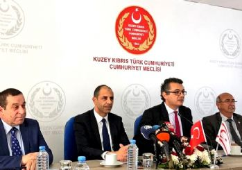 Kıbrıs'ta hükümet krizi! Peş peşe istifa kararları