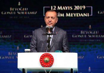 Erdoğan: Sanatçı sanatıyla konuşur dalkavukluk yapmaz!