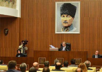 Ankara Belediye Meclisi'ne Atatürk fotoğrafı asıldı