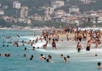 Antalya nüfusu kadar turist ağırladı!