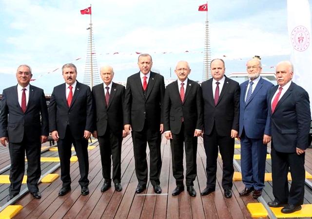 Liderlerden birlik pozu! Hükümet-muhalefet bir araya geldi