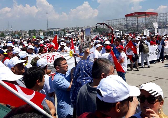 Yenikapı'da EYT mitingi: Erken emeklilik verin oy verelim!