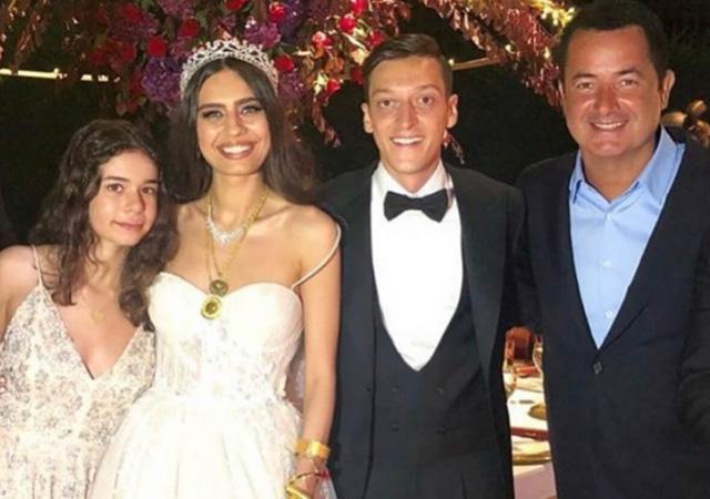 Mesut Özil'in düğününe Acun Ilıcalı dansı damga vurdu