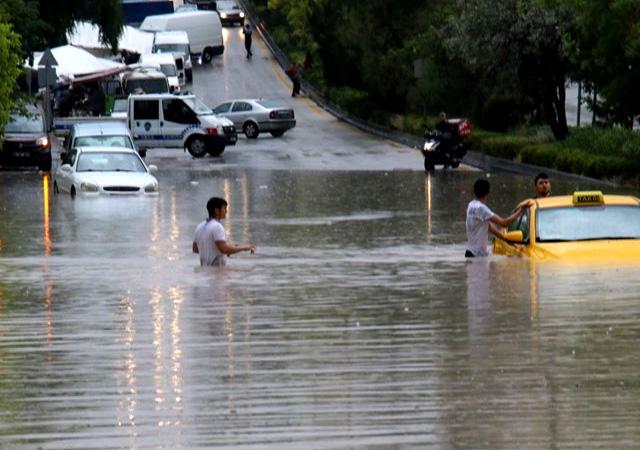 Ankara'da sel can aldı: Ölü ve yaralılar var