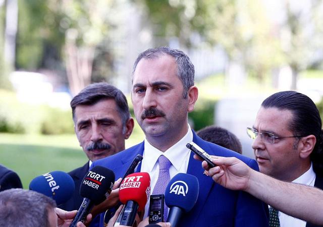 Adalet Bakanı'ndan FETÖ elebaşının iadesi açıklaması