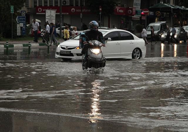 Meteoroloji'den uyarı: Yurt genelinde sağanağa dikkat