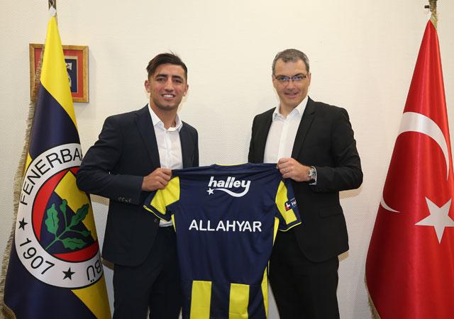 Allahyar resmen Fenerbahçe'de!