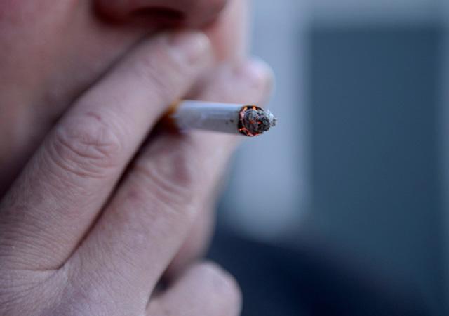 Sigara içmek görme kaybı riskini artırıyor