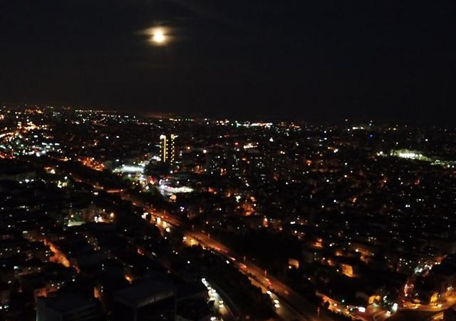Büyüleyici gök olayı: Parçalı Ay Tutulması böyle gerçekleşti!
