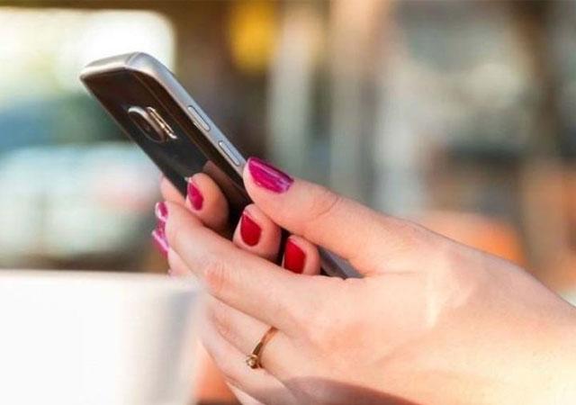 Yurt dışından getirilen telefonlar için kayıt harcı 1500 TL'ye çıkarıldı
