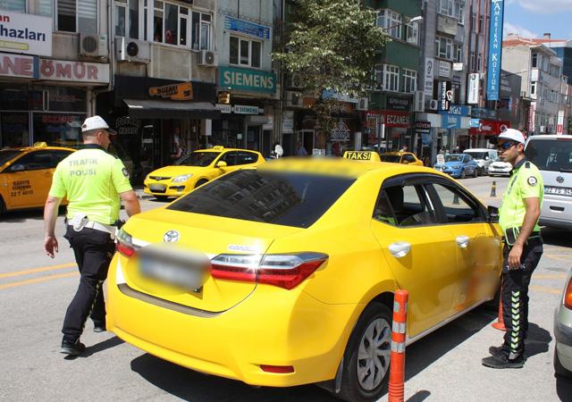 81 ilde taksi denetimi: Bin 551 taksi şoförüne para cezası