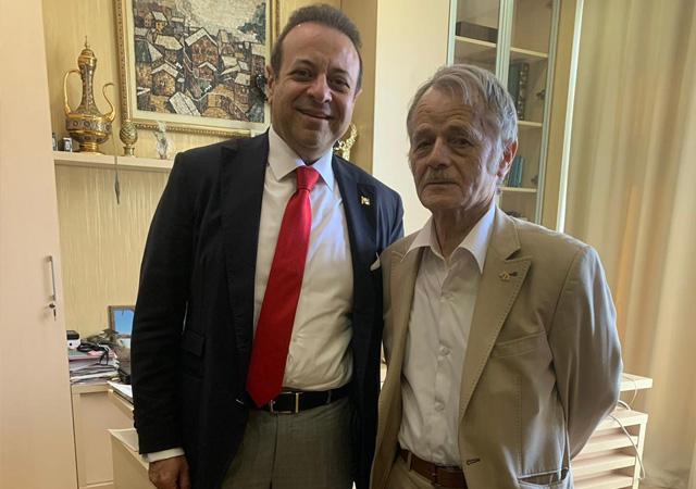 Egemen Bağış'tan Kırım Türkleri liderine tebrik