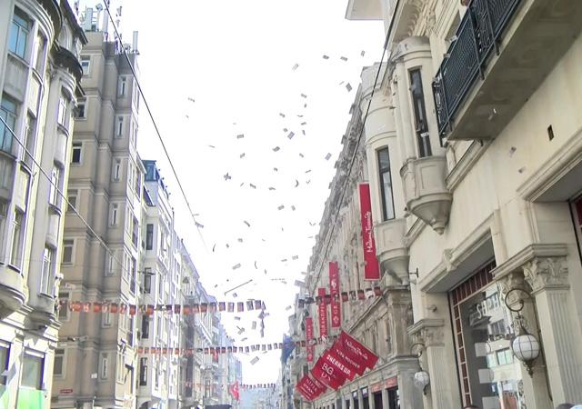 İstiklal Caddesi'nde gökten para yağdı