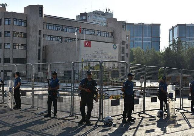 3 belediyeye operasyon! HDP'li başkanlar görevden uzaklaştırıldı!