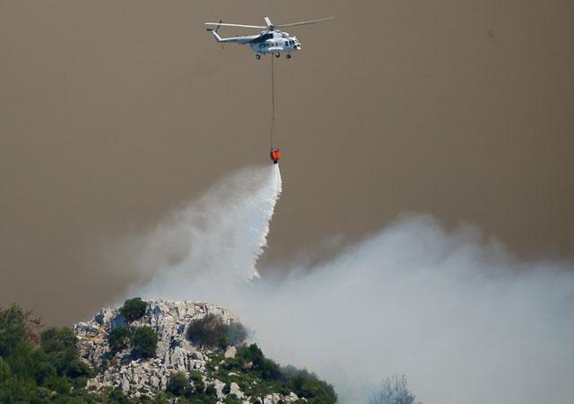 İzmir'deki yangın mahalleye sıçradı!