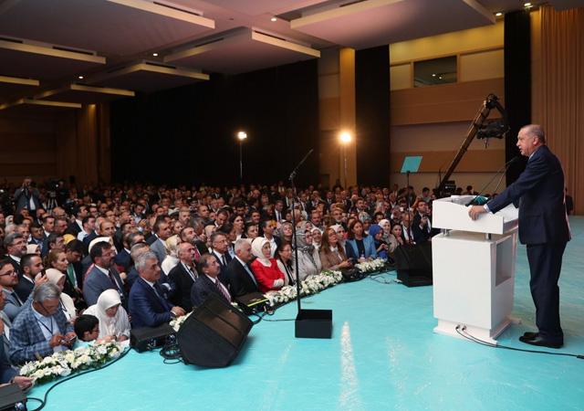 Erdoğan: Milletin parasını dağa gönderenlere seyirci kalmayacağız