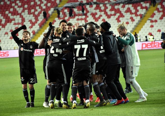Beşiktaş'ın UEFA listesi belli oldu