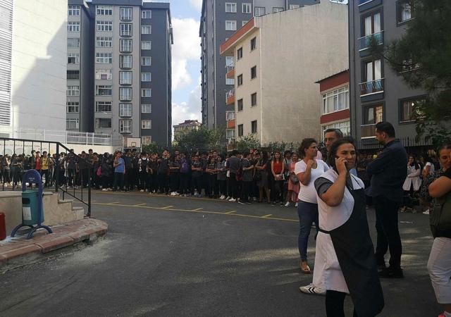 İstanbul Sancaktepe'de okulda yangın paniği