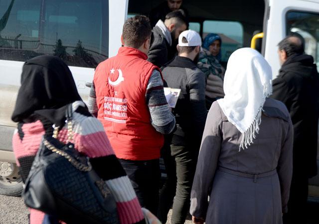 3 bin Suriyeli ülkesine döndü!