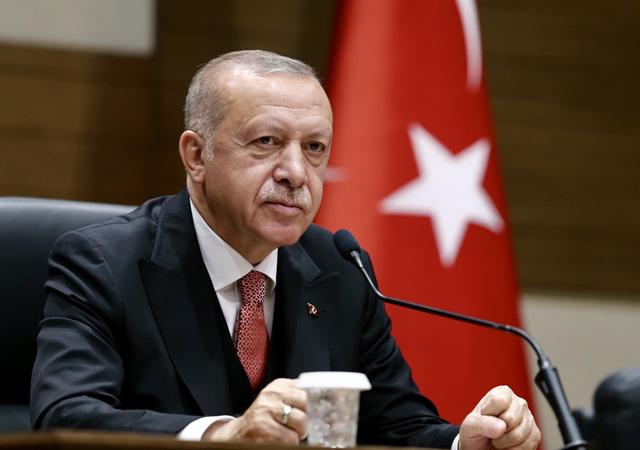 Erdoğan: Kapalı spor salonuna arena adı veriyorsunuz, ne demek arena?
