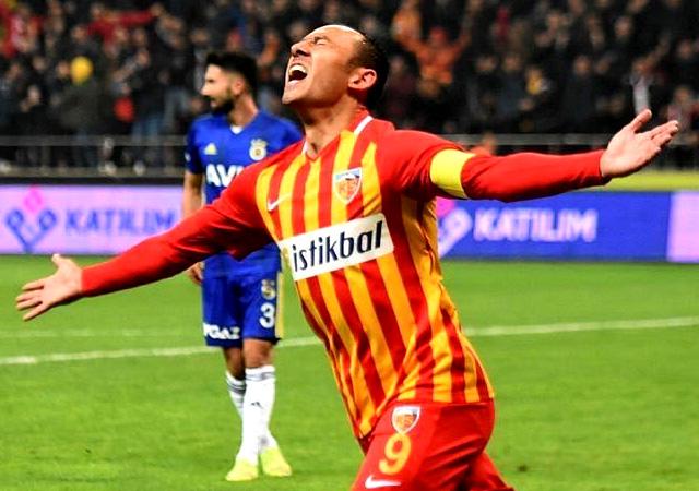 Fenerbahçe liderlik umutlarını Kayseri'de bıraktı