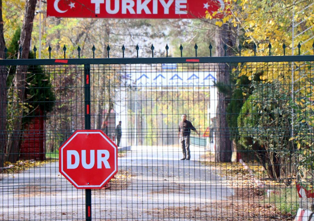 Yunanistan, Türkiye'nin sınır dışı ettiği DEAŞ'lıyı almadı