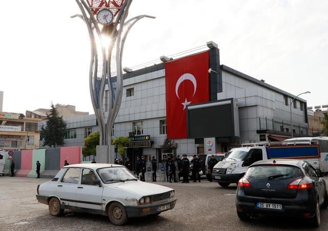 Mardin'de HDP'li 3 belediyeye kayyum atandı
