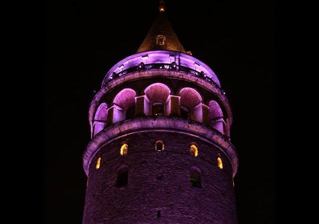 Prematüre Günü için Türkiye geneli 'mor'a boyandı