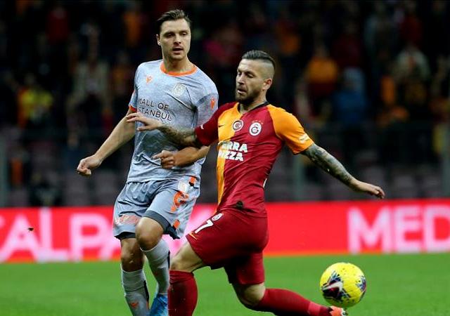 Galatasaray'a Başakşehir'den büyük darbe!