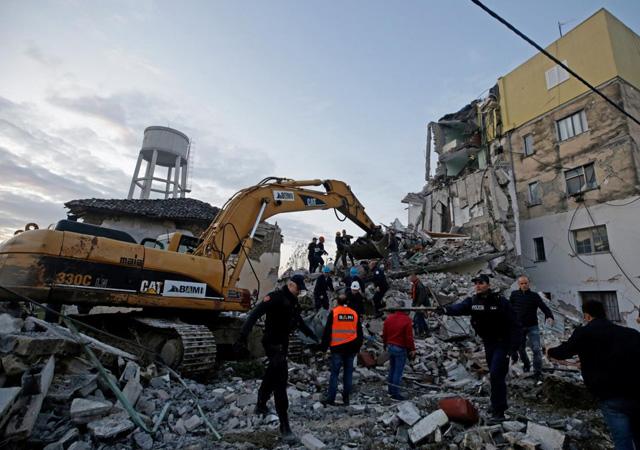 Arnavutluk'taki depremde ölü sayısı 50'ye çıktı
