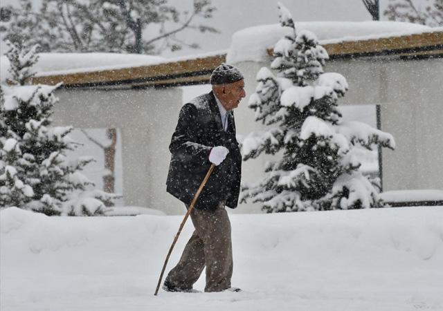 Meteoroloji'den şiddetli yağış ve kar uyarısı