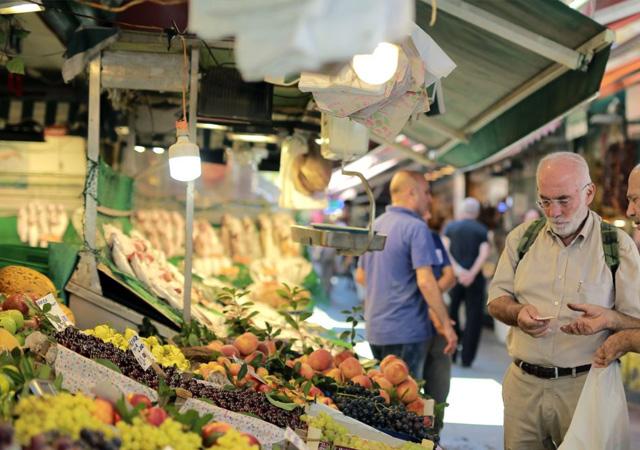 Enflasyon yeniden çift haneye yükseldi