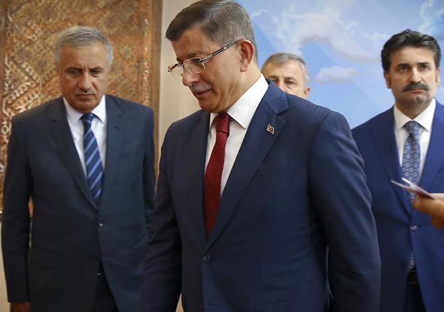 Ahmet Davutoğlu yeni parti kurdu: Gelecek Partisi