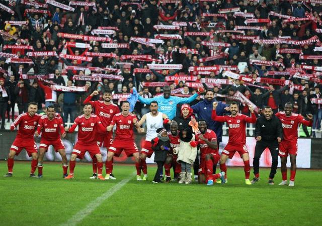 İlk yarının lideri Sivasspor