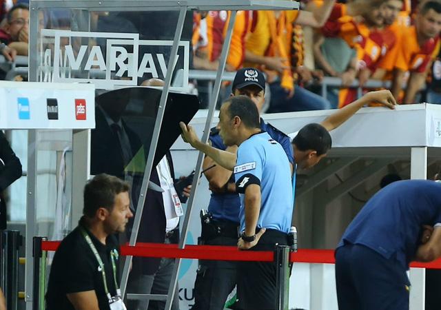 UEFA açıkladı: VAR da gözlemci tarafından değerlendirilecek