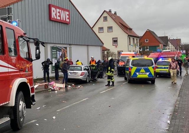 Almanya'da karnavala araçlı saldırı
