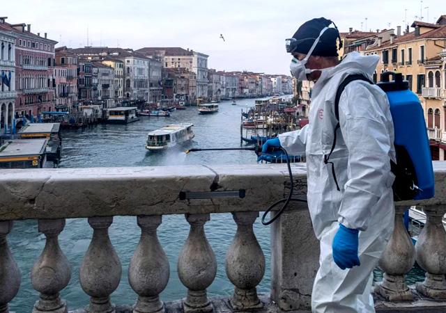 İtalya'da bir günde 368 kişi hayatını kaybetti