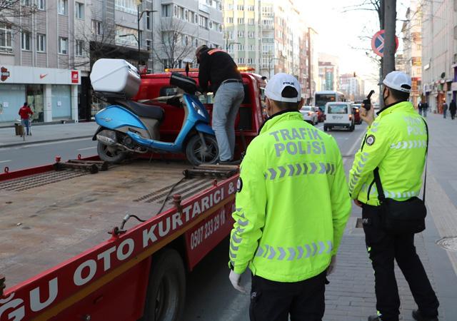 Sivas'ta sokağa çıkan gence 7 bin 890 lira para cezası
