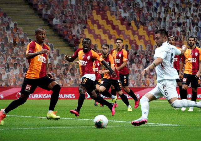 Galatasaray son dakika golüyle yıkıldı! 3-3