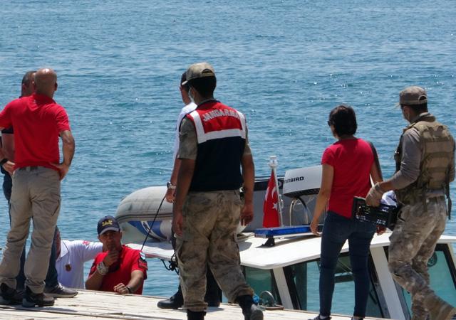 Van'da kaybolan tekneyle ilgili 2 kişinin daha cansız bedeni bulundu