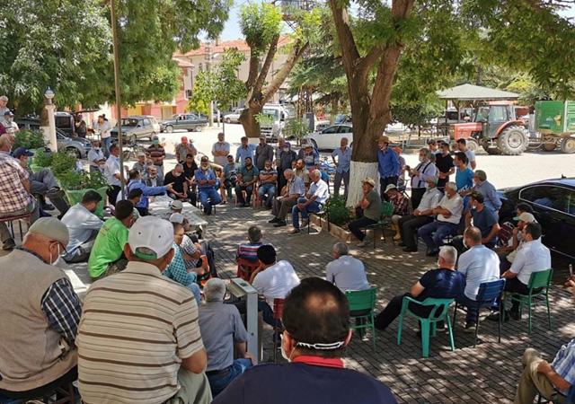 AK Parti'li vekile Konya'daki köyünde şaşırtan tepki