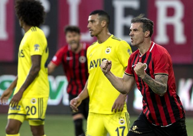 Fenerbahçe'de deplasman fobisi sürüyor! 1-1